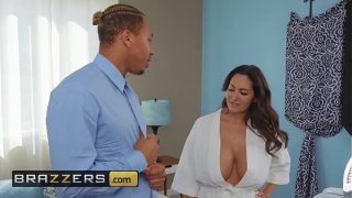 Mommy Got Boobs – (Ava Addams, Ricky Johnson) – Seduced By His Stepmom – Brazzers