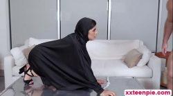 Hot arab slut Ella gets pussy banged