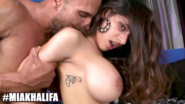 BANGBROS – Big Tits Muslim Princess Mia Khalifa Riding Dick, Looking Damn Good